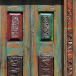 Bi-fold closet doors detail photo